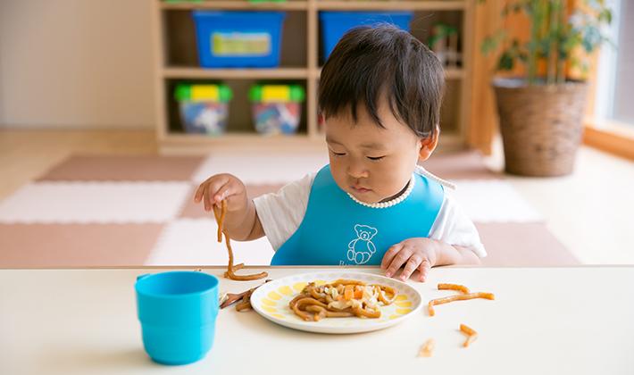 手づかみ食べが大切な機能を育てている!!